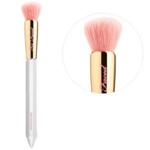✨NEW✨ Too Faced Diamond Light Highlighting Brush